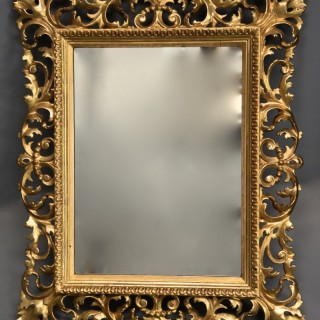 19th century fine quality Florentine carved gilt wood mirror
