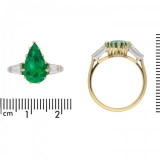 Vintage Colombian emerald and diamond ring, English, circa 1950.