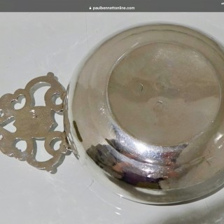 17th Century Antique William & Mary Sterling Silver Bleeding Bowl London 1693 William Gimber
