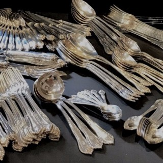 Large Silver Canteen 198 Pieces