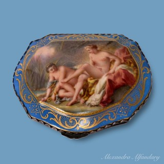 A Highly Decorative and Collectible Meissen Porcelain Box
