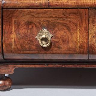 A fine burr walnut George I dressing mirror. Circa 1715-25 England