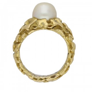Art Nouveau natural pearl ring by Wièse, circa 1900.
