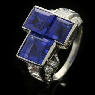 Oscar Heyman Brothers Art Deco Ceylon sapphire and diamond ring, American, circa 1925.