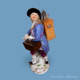 A Meissen Porcelain Cris de Paris Figure with Magic Lantern/Peepshow