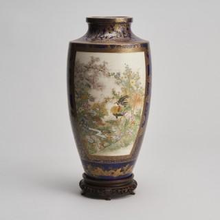 A large Japanese Meiji Period Satsuma vase signed Kinkozan