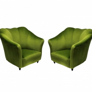 A PAIR OF STYLISH PARISI ARMCHAIRS IN APPLE GREEN VELVET