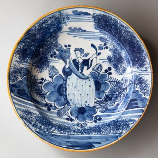 18TH CENTURY DELFT CHARGER IN
