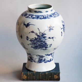 17th CENTURY DELFT FAIENCE BALUSTER VASE