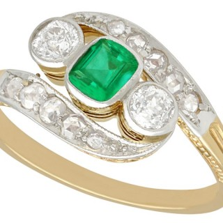 0.23 ct Emerald and 0.35 ct Diamond, 14 ct Yellow Gold Twist Ring - Antique Circa 1920