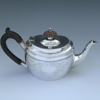 Victorian Sterling Silver Tea Pot made by Fordham & Faulkner in 1901