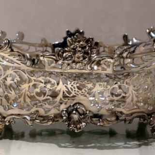 20th Century Antique George V Large Sterling Silver Dish London 1910 William Comyns