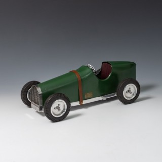 Green M&E Wasp Tether Car