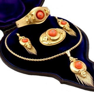 20.25 ct Coral and Diamond, 22 ct Yellow Gold Jewellery Set - Antique Victorian Circa 1890