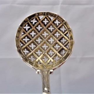 Superb Victorian silver sifter spoon London 1875 Francis Higgins