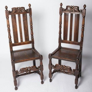 Good pair of Charles II oak chairs (England, c. 1680)