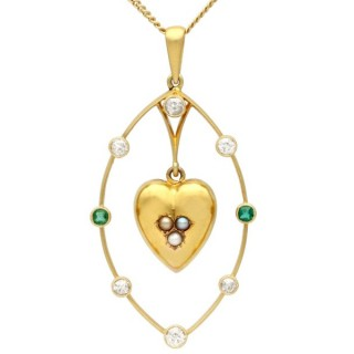 0.51 ct Diamond, 0.10 ct Emerald, Seed Pearl and 18 ct Yellow Gold Heart Pendant - Antique Victorian Circa 1880