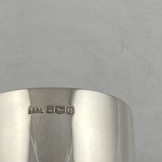 Antique silver plain goblet made in 1920 by Walker and Hall of Sheffield.