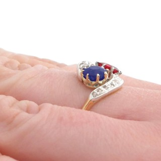 0.68 ct Spinel and 1.02 ct Sapphire, 18 ct Yellow Gold Twist Ring - Antique Circa 1910