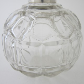 Antique Edwardian Sterling silver and glass scent bottle.