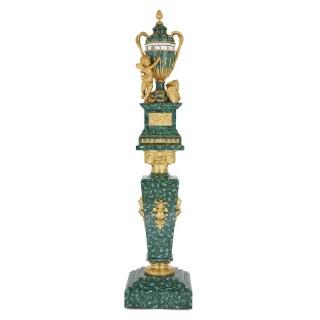 孔雀石鎏金天使座鐘和羅馬柱