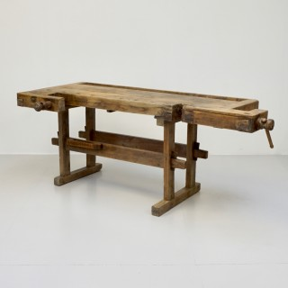 Workbench on Stand