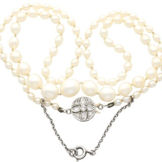 Single Strand Saltwater Natural Pearl Necklace with 0.15ct Diamond, 15ct Yellow Gold Clasp - Antique Circa 1920