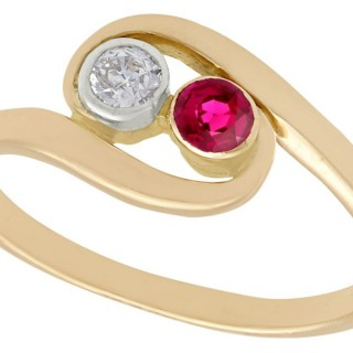 0.15 ct Ruby and 0.09 ct Diamond, 14 ct Yellow Gold Twist Ring - Vintage Circa 1940