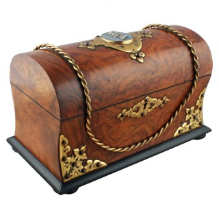 Victorian Walnut Tea Caddy