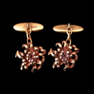 A pair of Edouard-Aimé Arnould art nouveau gold cufflinks