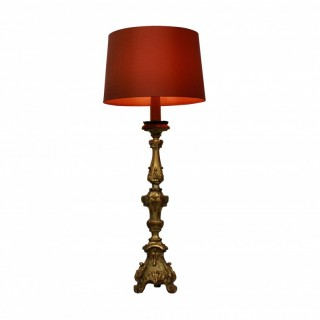 AN ITALIAN XVIII CENTURY GILT WOOD LAMP