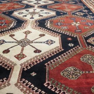 Striking Lori carpet