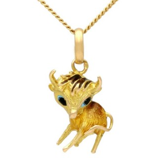 18ct Yellow Gold and Enamel Cow Pendant - Vintage Circa 1950