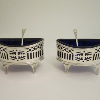 A pair of Antique George V Sterling silver salts