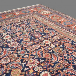 Antique Mahal-Feraghan carpet