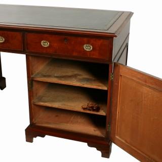 Georgian Mahogany Pedestal Desk