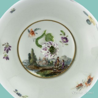Meissen Teapot and Cover with Scenes, c.1740