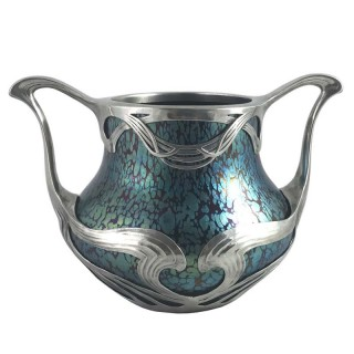 Art Nouveau iridescent Papillon glass vase in sinuous pewter mount by Loetz