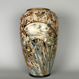 A very rare, fine and large, reticulated Satsuma vase by Kinkozan