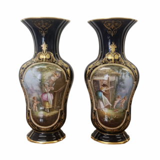 PAIR OF LARGE 19TH CENTURY PARIS PORCELAIN VASES