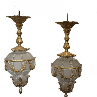 PAIR OF 19TH CENTURY FRENCH GILT BRONZE LANTERNS