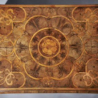 An Exceptional  17th Century Charles II Blond Olive Oyster Lace-Box of Large Scale