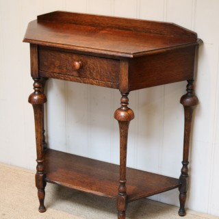Small Oak Hall / Side Table