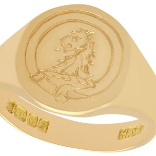 18 ct Yellow Gold Signet Ring - Vintage 1966