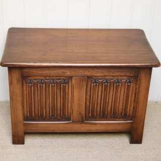 Small Oak Coffer