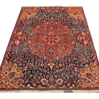Antique Persian Bakhtiyar Rug 140x208cm