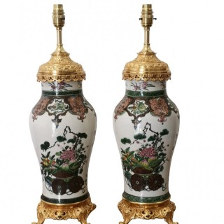 PAIR OF 19TH CENTURY CHINESE PORCELAIN LAMPS