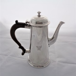 Nice quality crested George II silver coffee pot London 1735 Richard Bayley