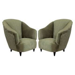 A PAIR OF MID CENTURY ARMCHAIRS BY ULRICH