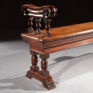 Mid 19th Century Country House Walnut Hall Bench Of Good Scale